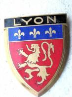 ANCIENNE PLAQUE DE SCOOTER EMAILLEE ANNEE 1950 LYON EXCELLENT ETAT AUCUNS ECLATS DRAGO PARIS