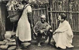Afrique - Africa - Cameroun - Ref A509- Pretres Du Sacre Coeur -visite En Brousse -pays Bakossi  - Carte Bon Etat - - Cameroun