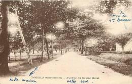 Afrique - Africa - Cameroun - Ref A505- Douala - Avenue Du Grand Hotel    - Carte Bon Etat - - Cameroun
