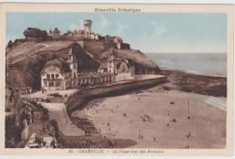 GRANVILLE - N° 59 - LA PLAGE VUE DES FALAISES - PLIS VERTICAL A GAUCHE ET TRACE DE PAPIER AU VERSO - Granville