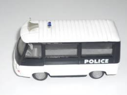 VOITURE POLICE PEUGEOT J 7