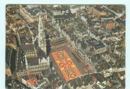 BRUXELLES Grand Place , Tapis De Fleurs - Personnages Célèbres