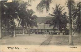 Afrique - Africa - Dahomey -ref A416- Cotonou - La Gare Ligne De Chemin De Fer   - Carte Bon Etat - - Dahomey
