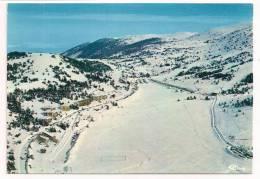 06 - GREOLIERES-les-NEIGES - Vue Panoramique Aérienne De La Station - Au Centre, La Piste D'initiation Au Ski De Fond - Autres Communes