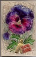 CPA Rare Fleur Pensée Duvet Velour Gaufré Fait Main Dorure Union Postale Universelle Peinture Dorée - Unclassified
