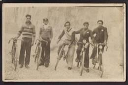 CPA CARTE PHOTO CYCLISME - Equipe De 5 Coureurs Cyclistes - Cycling