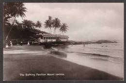 SR48) Ceylon - Bathing Pavilion, Mount Lavinia - Colombo - Real Photo Postcard - Sri Lanka (Ceylon)