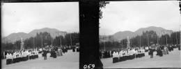 LOURDES - HAUTES PYRENEES - PN 069 - Procession - Plaques De Verre
