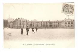 CPA -78 - Versailles : Les Grandes Ecuries - Caserne Du Génie - Caserme
