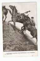 CPA  : Les Russes Transportent Des Mitrailleuses Dans Les Carpathes : Cavaliers , Chevaux Transportant Les Armes - Manoeuvres