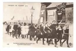 CPA : Grande Bretagne :  Ecolières Anglaises Improvisant Une Procession Patriotique Girls  Improvising A Patrio - War 1914-18