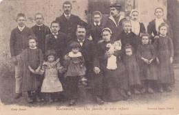 ¤¤  MACHECOUL - Une Famille De Seize Enfants   ¤¤ - Machecoul