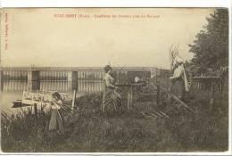 Carte Postale Ancienne Port Mort - Cueillette Des Roseaux Près Du Barrage - Métiers, Vannerie, Osier - Autres Communes