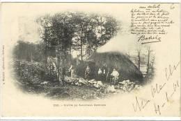 Carte Postale Ancienne Bretagne - Botrel. Hutte De Sabotiers Bretons - Métiers, Chaussures - France