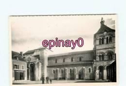 B - 03 - EBREUIL -  L´ église Saint Leger  - édit. Combier - - France