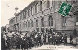 MONTREUIL - Les écoles - Montreuil