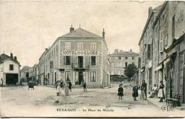 42 - CPA      -Renaison  -- La Place Du Marché         Vendue En L'état   Voir Scans - Autres Communes