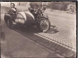 PHOTO 120 X 90mm - Jeune Femme Dans SIDE-CAR- MOTO -MOTOCYCLETTE--TRANSPORT- - Motorfietsen