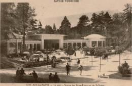 Cpa 73 AIX-les-BAINS   Le Parc  Source Des Deux-Reines Et De St Simon , Très Animée - Aix Les Bains