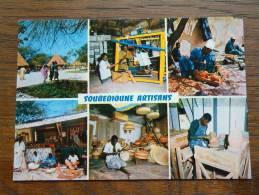 DAKAR Soubédioune Artisans / Anno 19?? ( Voir/zie Foto Voor Details ) !! - Sénégal