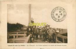 Cpa 44 Le Croisic, Colonie St Louis, L'Estacade Les Colons Assistent à La Rentrée Des Bateaux De Pêche, Pas Courante - Le Croisic