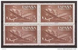 ES1177-LA318TOM.Spain Espagne SUPER-CONSTELLATION Y NAO SANTA MARIA 1955/56.(Ed.1177**)sin Charnela LUJO  BLOQUE DE 4 - Transporte