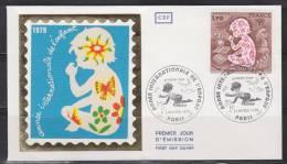 = Enveloppe 1er Jour 6 Janvier 1979 Année Internationale De L'Enfant Paris 1f70 N°2028 Enfant Assis Et Sur Genoux - 1970-1979