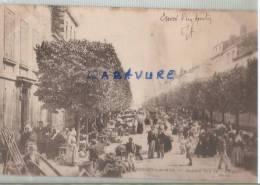 17----ROCHEFORT SUR MER---Marché Rue De L'arsenal -précurseur-animé - Rochefort