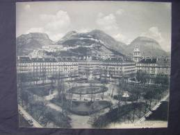 CPSM Grenoble Place Victor Hugo,le Neron,les Forts Et Le St Eynard Maxi-carte 23,5cm X 28cm - Grenoble