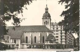 FRA369 - Annecy - L'eglise St. Maurice Et Le Syndicat D'Initiative - Annecy