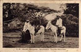 N.25-MISSÕES FRANCISCAS PORTUGUESAS DE MOÇAMBIQUE-MACEQUECE-EXCURSÃO MISSIONARIA - Andere