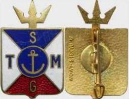 ANCIEN INSIGNE DE LA SOCIETE GENERALE DES TRANSPORTS MARITIME A.AUGIS (SCAN RECTO / VERSO)