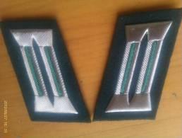 2 Parches De Cuello Polizei Wachtmeister. República Democrática Alemana. Comunista. 1948-1990. - Escudos En Tela