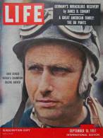Magazine LIFE - SEPTEMBER 16, 1957 - INTE, ED,- Juan FANGIO -  COCA-COLA - RENAULT - ROLEX -  (3056) - Nouvelles/ Affaires Courantes