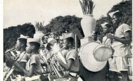 Angola -Dundo - Aspecto De Pormenor , Da Banda De Musica Da Companha ( Voir Verso ) - Angola