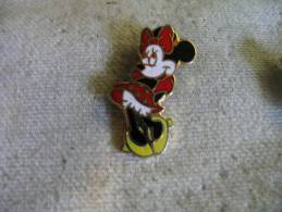 Pin´s Disney,  Personnage Walt Disney. MINNIE - BD