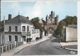 MONTMORT - L´Hôtel Du Cheval Blanc Et Le Château - Montmort Lucy