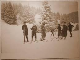 Ancienne GRANDE PHOTO ORIGINALE GROUPE DE SKIEURS Hommes Et Femmes 30's Sport D'Hiver SKI MONTAGNE - Deportes
