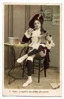 Jeune Fille Déguisée Fumant La Pipe - Carte M.F. Paris Colorisée écrite & Timbrée En 1905 - Humour