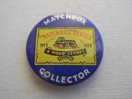 MODELLISMO.  Trasporti. MATCHBOX Collector. Originale Anni '50. AUTO. - Pin's