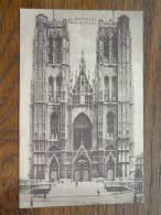 Eglise Sainte Gudule / Bruxelles Anno 19?? ( Voir/zie Foto Voor Details ) !! - Eglises Et Couvents
