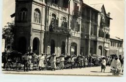TANANARIVE  - Une Station De Pousse-pousse. - Madagascar