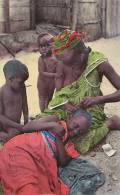 Afrique - Guinée - Village - Coiffeuse - Billet Monnaie - Guinée