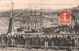 76 FECAMP EMBARQUEMENT POUR TERRE NEUVE L'HEURE DU DEPART CIRCULEE 1911 - Fécamp
