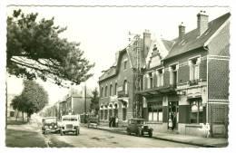 HERMIES - Rue D'Avrincourt Et Les Hôtels - Autres Communes