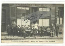 CPA MAGNY EN VEXIN 95 Réunion De La Boulange à La Terrasse Du Café -restaurant - Magny En Vexin
