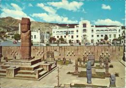LA PAZ, PLAZA TIAHUANAKU (AL FONDO STADIUM HERNANDO SILES) - Bolivia