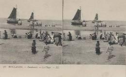 Zandvoort, Hollande, La Plage   (stereokaart / Herkomst Frankrijk)  2 X Scan  Visafslag Op Het Strand - Zandvoort
