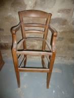 Rare Chaise De Nourisson (bébé) En Merisier   (à Prendre Sur Place) - Meubles