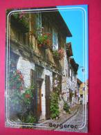 CPM 24 BERGERAC  MAISON FLEURIE A COLOMBAGES  VOYAGEE  1993 - Bergerac
